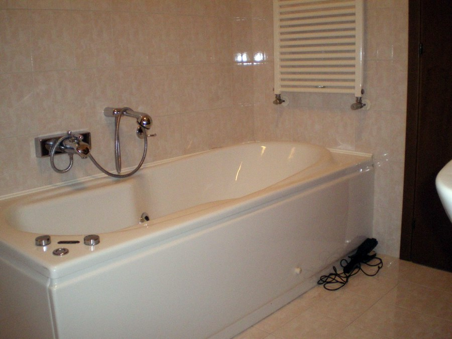 Vasche Da Bagno In Vetro Prezzi : Box doccia su vasca da bagno prezzi