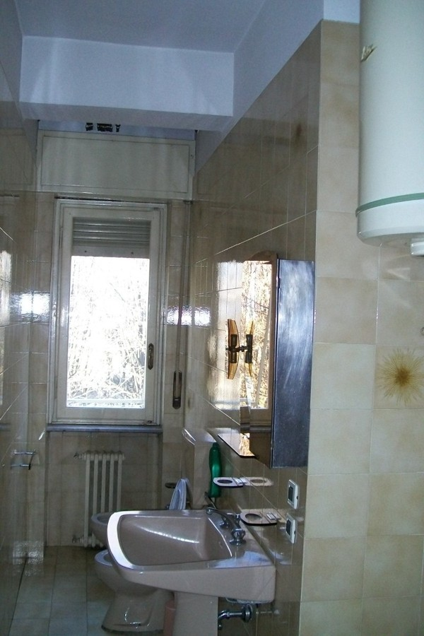 Prezzi Piastrelle Bagno : Piastrelle bagno bordeaux tb regardsdefemmes