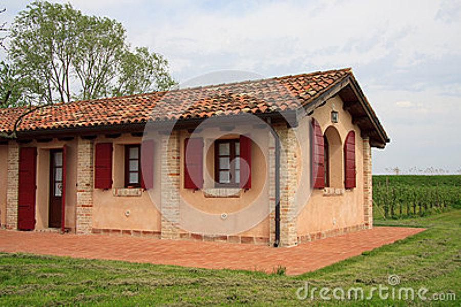 Casetta prefabricata in cemento armato con tramezzi for Foto di portici per case