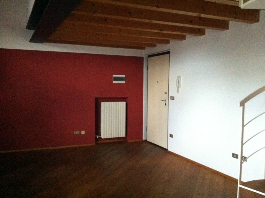 Illuminazione Soffitto Con Travi In Legno : Illuminare un soffitto con travi di legno a vista centro