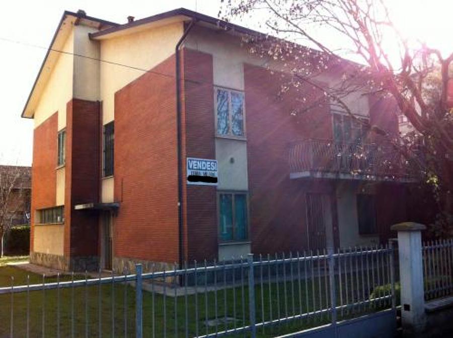 Ristrutturazione casa singola cappotto tetto legno e - Ristrutturazione casa reggio emilia ...