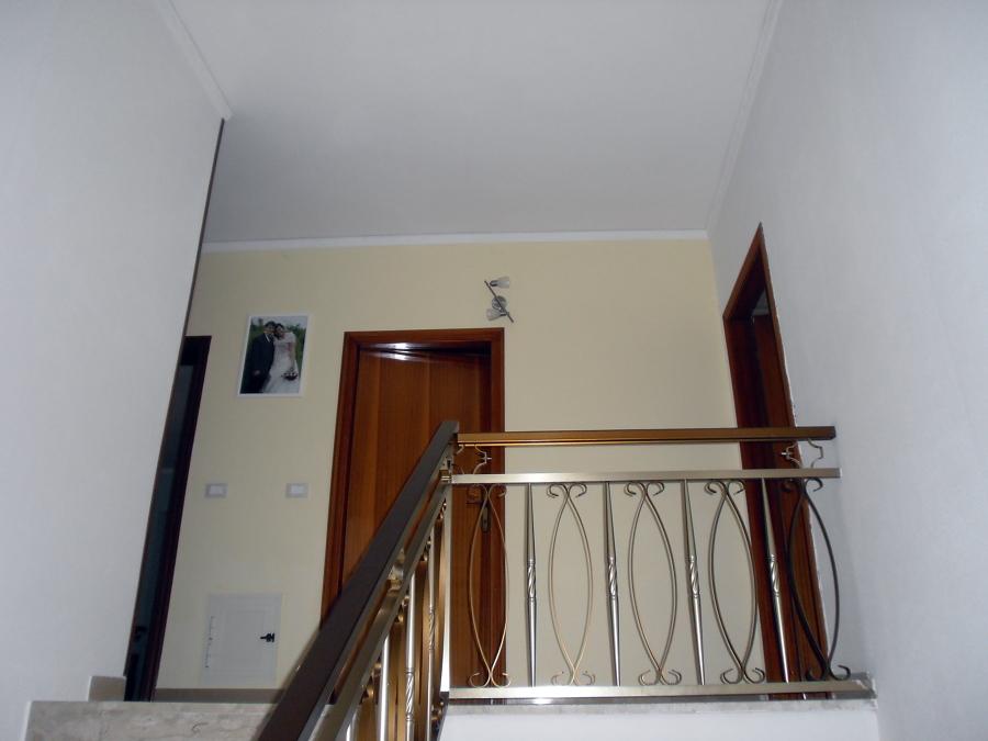 Cartongesso Con Porta A Battente: Foto parete in cartongesso con porta ...