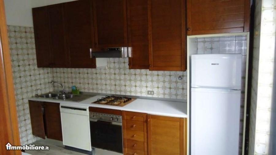 Dipingere ante pensili cucina milano milano habitissimo - Dipingere cucina legno ...
