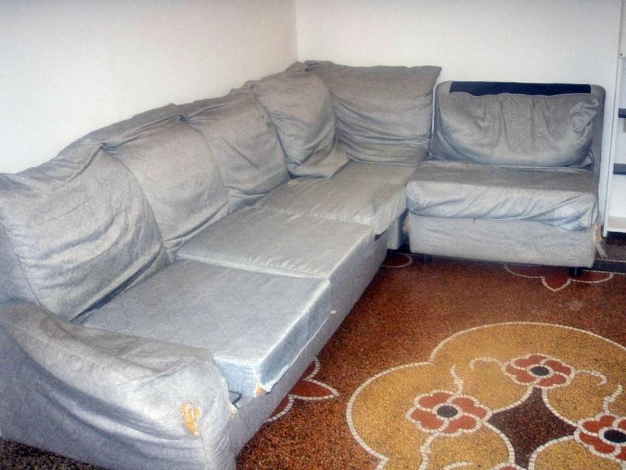 Rivestire divano genova genova habitissimo for Rivestire divano