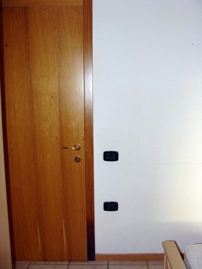 Verniciatura porte interne riva del garda trento - Costo verniciatura porte interne ...