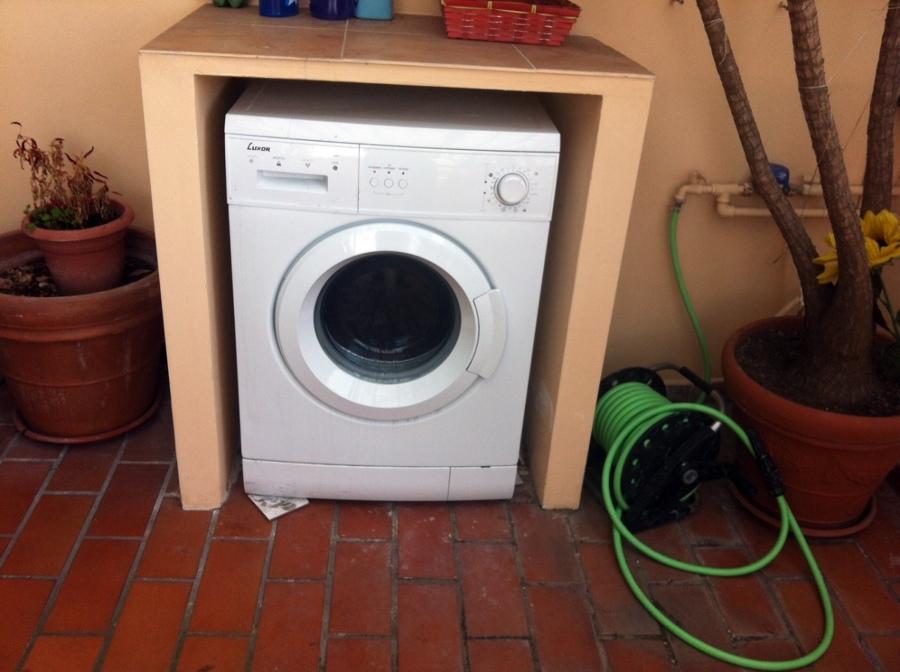 Armadietto per esterno e gelosie copertura lavatrice - Lavatrice esterno ...
