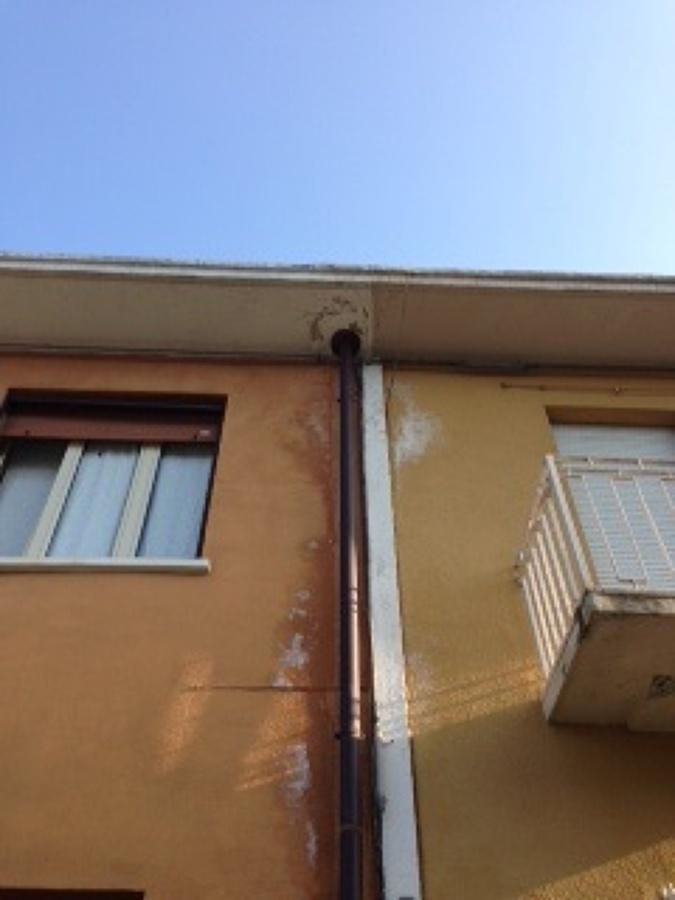 Casa moderna roma italy riparazione tetto for Tetto della casa moderna