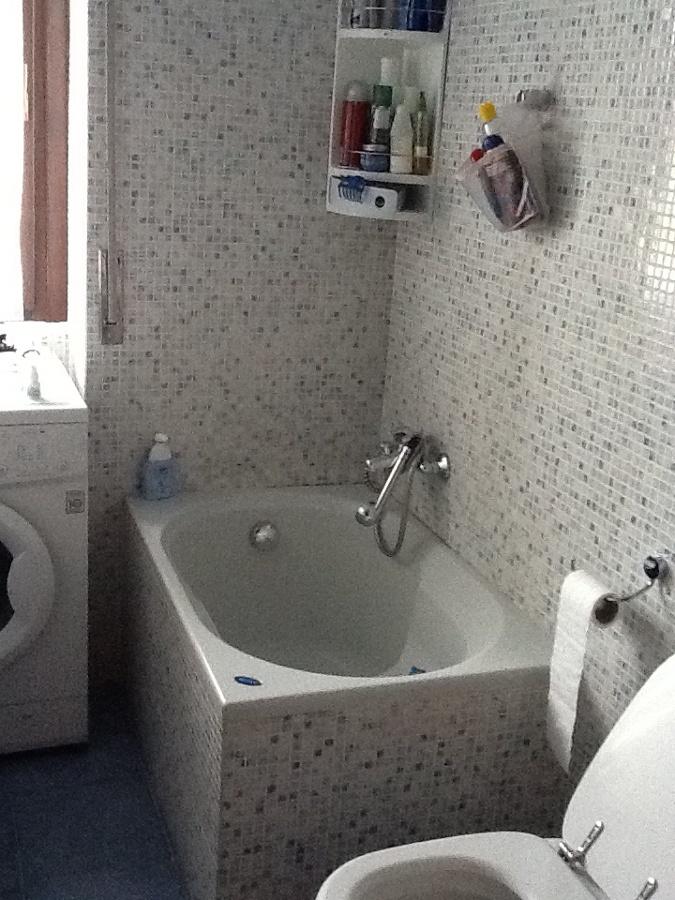 Sostituzione vasca da bagno con box o cabina idromassaggio - Cabina per vasca da bagno ...