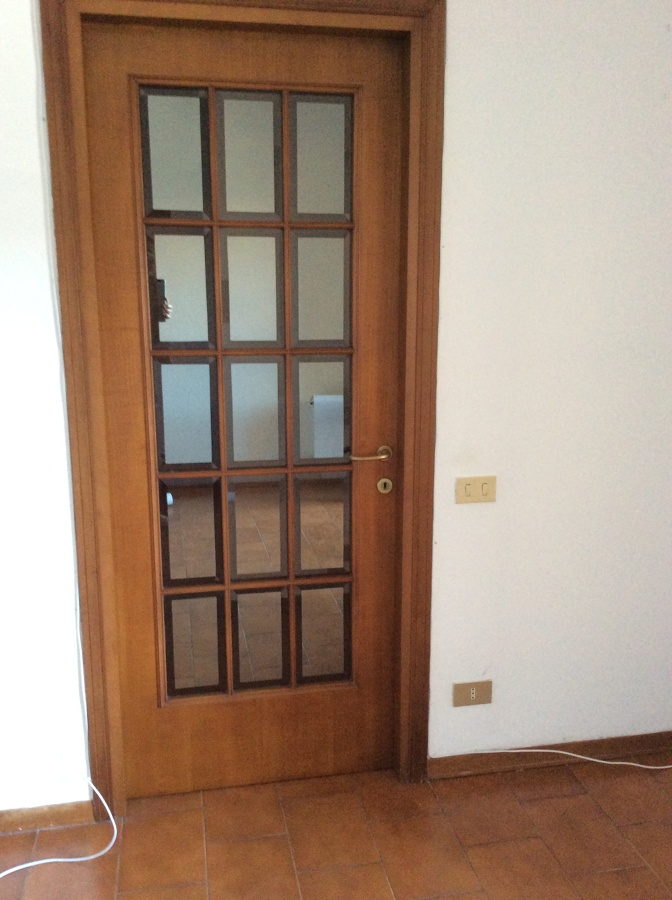 Ristrutturazione infissi interni livorno livorno for Prezzo infissi legno