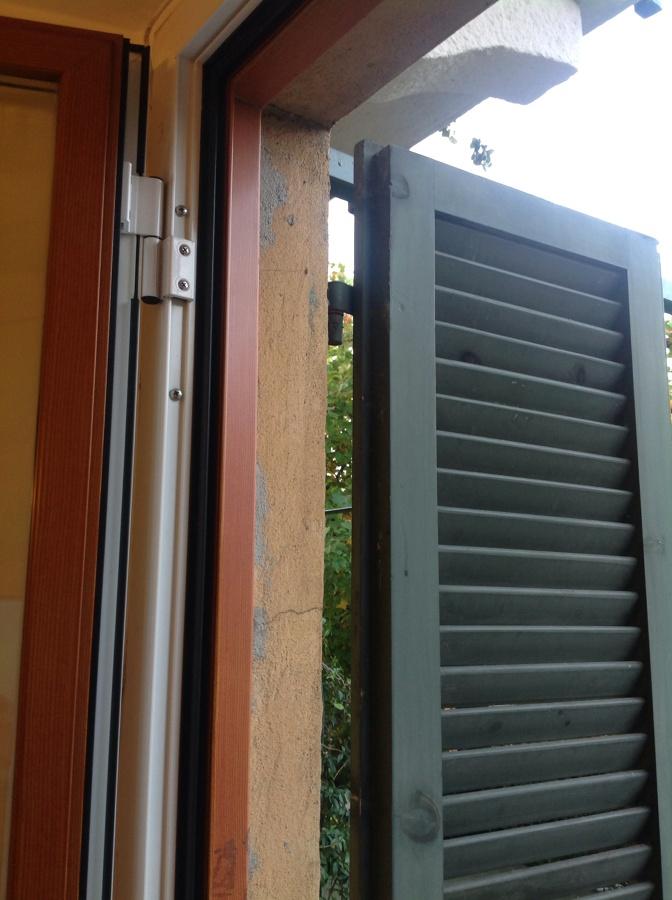 Inferriate per casa di ringhiera milano milano - Inferriate per finestre milano ...