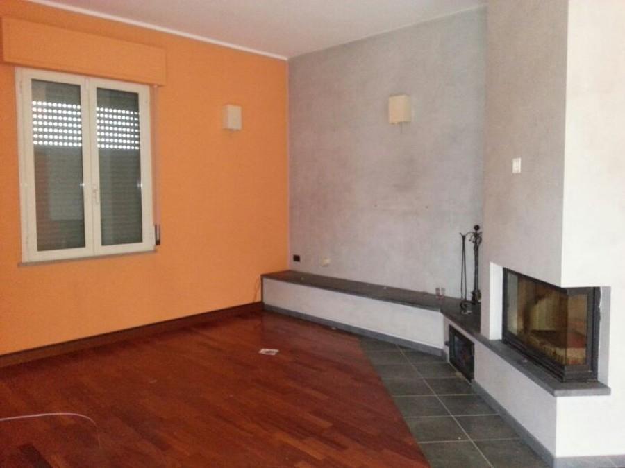 Pittura salone cucina e camera da letto parma parma - Pittura per camera da letto ...