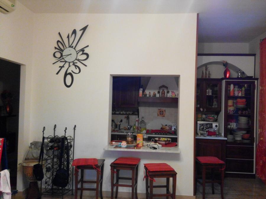 Abbattere un tramezzo che separa cucina da soggiorno - Santo Stefano di Magra...