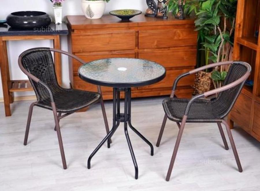 Ristrutturazion e sedie teulada cagliari habitissimo - Tappezzare una sedia ...