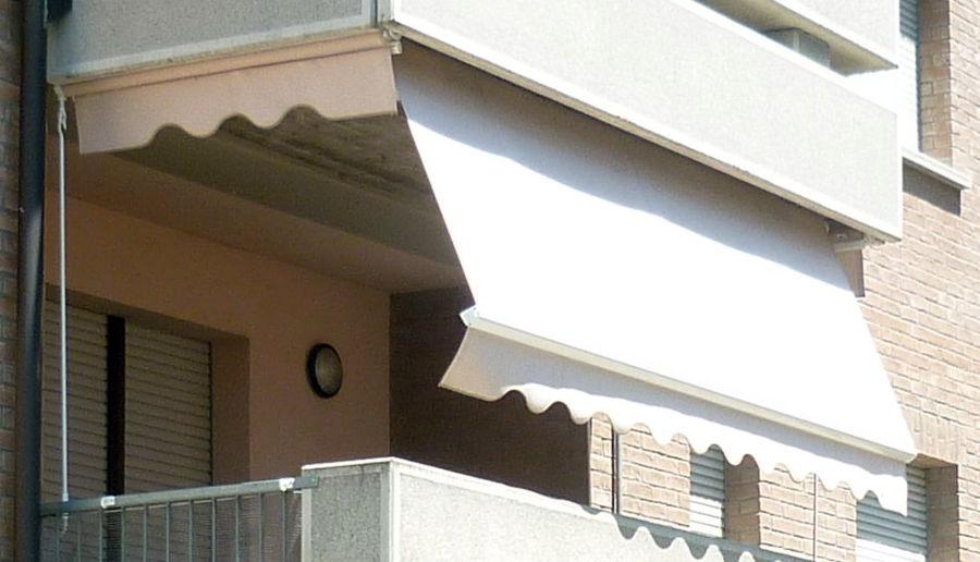 Mettere inferriate alle finestre e installare tenda da - Tende attaccate alle finestre ...