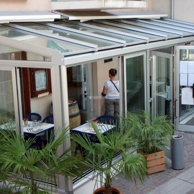 Veranda in alluminio giardino invernale stradella - Doppi vetri per finestre ...
