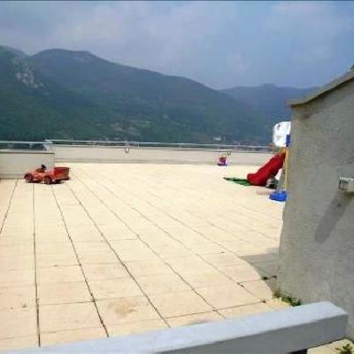 Piscina fuori terra in legno su terrazzo clusane sul - Piscina bagnolo mella ...