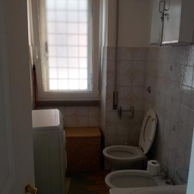 Ristrutturazione bagno di servizio roma roma habitissimo - Smaltare piastrelle bagno ...
