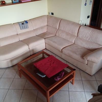 Rifacimento tappezzeria divano valmadrera lecco - Rifacimento cuscini divano ...