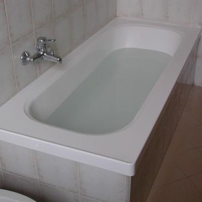 Sovrapposizione vasca da bagno bedizzole brescia habitissimo - Stendino da vasca da bagno ...