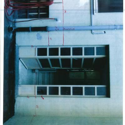 Piattaforma elevatrice esterna per palazzo di tre piani for Piani di struttura esterna
