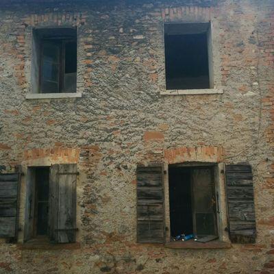 Ristrutturazione casa 3 piani 400m2 a pederobba for Piani casa africani gratis