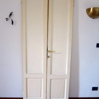 Realizzazione porta in legno vecchia milano a doppia for Porta battente