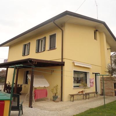 Pittura esterna casa singola san biagio di callalta - Pittura esterna casa ...