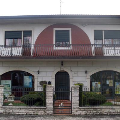 Pitturare la mia abitazione all 39 esterno nogara verona habitissimo - Pitturare esterno casa ...
