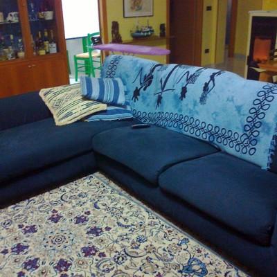 Realizzazione nuovo rivestimento sfoderabile per divano - Tappezzare divano ...