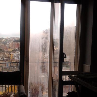 Sostituire doppi vetri causa condensa napoli napoli - Condensa finestre doppi vetri ...