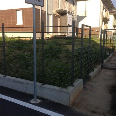 Terrazzamento giardino pietre e poca erba - R6, Orbassano (Torino ...