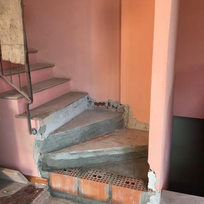 Rivestimento scale a torino barauda torino habitissimo for Rivestimento scale in resina prezzi