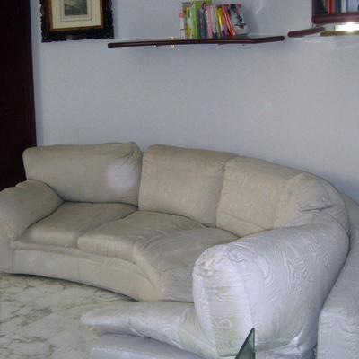 Preventivo per ricoprire divano circolare 5 posti milano milano habitissimo - Devo buttare un divano ...