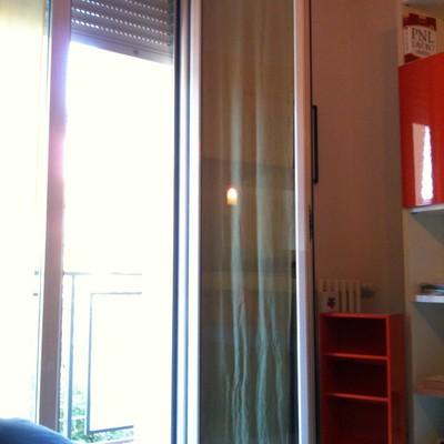 Installazione di una gattaiola su porta finestra bologna - Costo di una porta finestra ...