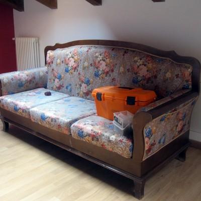 Foderare un divano casinalbo modena habitissimo - Devo buttare un divano ...