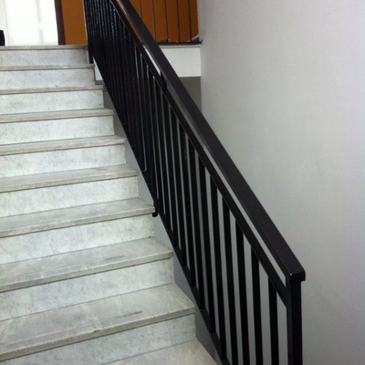 Chiusura vano scale openspace con cartongesso e porta di - Chiusura per porta scorrevole ...