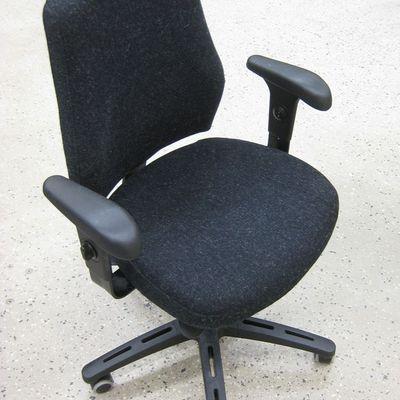 Rifacimento foderaseduta sedie da ufficio ikea verksam - Ikea sedie da ufficio ...