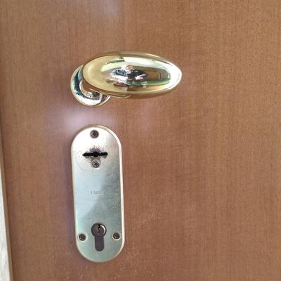 Cambio serratura per 2 porte blindate dello stesso - Cambio serratura porta ...