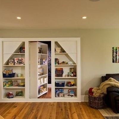 libreria divisoria con porta nascosta in legno colle del
