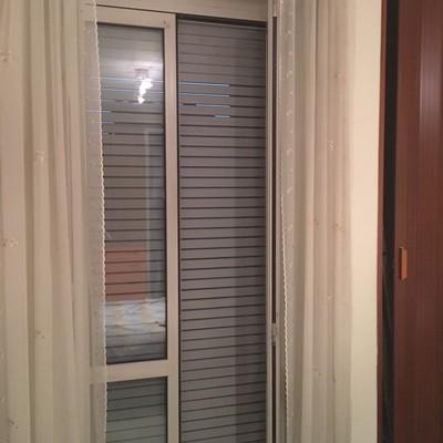 Riparazione o sostituzione maniglia porta finestra for Porta finestra alluminio prezzo