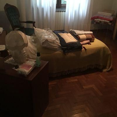 Restauro camera da letto marcon venezia habitissimo for Verniciare parquet senza levigare