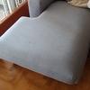 Dividere la seduta di un divano a penisola