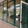 Sostituzione vetrate per negozi di grandi dimensioni