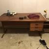 Restauro scrivania in teak a bergamo