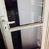 Installare porta a due ante in pvc o alluminio