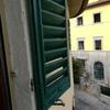 Sostituzione 4 persiane a 2 ante in appartamento comune di firenze, colore verde scuro, materiale da decidere